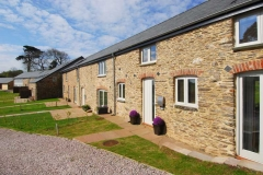 45-orchard-coombe-barns-from-front-jpg