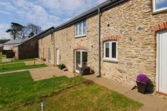 46-orchard-coombe-barns-from-front-jpg