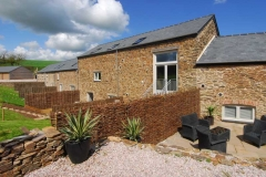 52-orchard-coombe-barns-from-rear-jpg